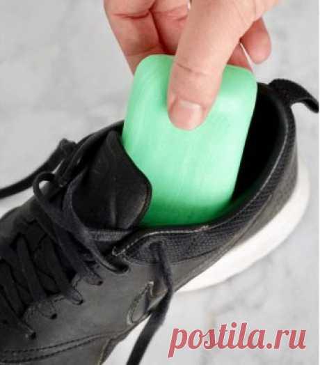 Если кроссовки дурно пахнут: 7 способов решить проблему — Лайфхаки