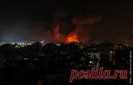 17-5-21-Армия Израиля возобновила удары по целям в секторе Газа Истребители Армии обороны Израиля наносят удары по террористическим целям в секторе Газа, сообщается в твиттере израильских военных.