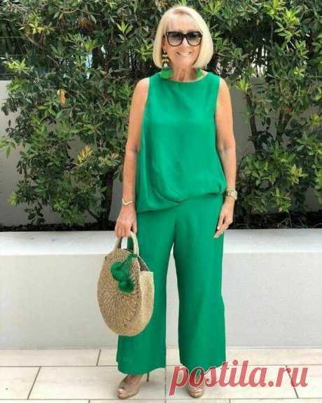 Прекрасные образы для женщин 60+ Давно ли вы обращали внимание на свое летний гардероб? Есть ли в нем яркие вещи. если и есть, то не так и много. Многие женщины в возрасте 60 + выбирают часто темные краски. Однако это неправильно! Лу...
