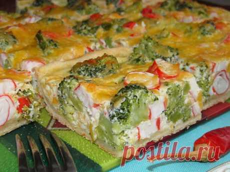 Постигая искусство кулинарии... : Пирог с брокколи и крабовыми палочками