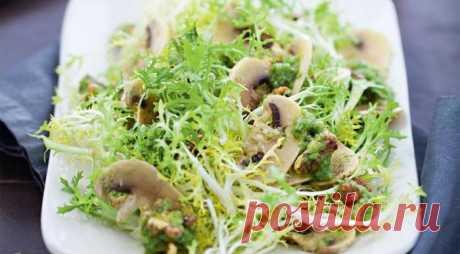 Салат из зелени, сельдерея и шампиньонов - рецепт с фото / Простые рецепты