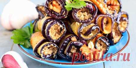 10 рецептов горячих и холодных рулетиков из баклажанов Попробуйте аппетитные сочетания с соусами песто и маринара, чесночным хумусом, говядиной, моцареллой и не только.