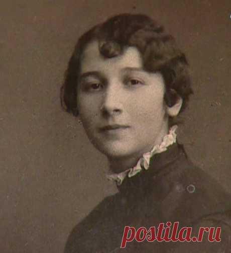 Рина Зеленая, 7 ноября, 1901  • 1 апреля 1991