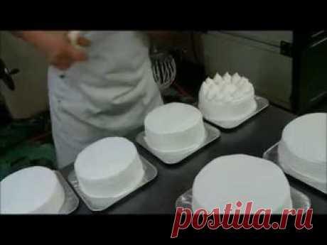 Самый простой и быстрый способ украшения торта взбитыми сливками (как украсить торт кремом).