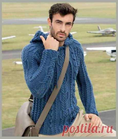 Озорные петельки: Пуловер с капюшоном и декоративными аранами