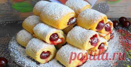 Печенье «Вишни под снегом» — невесомое и хрустящее и готовится всего 30 минут! - Всем на заметку! Несмотря на свою простоту, печенье с начинкой из ягод, стало очень и...