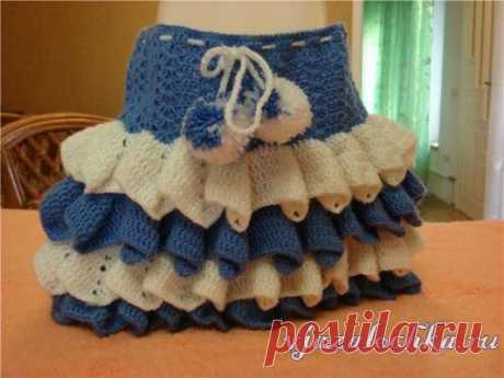 Girl's skirt a hook with ruches