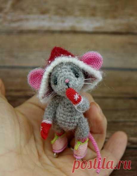 Мышка от Ирины Чернявской Шедевры амигуруми - ЛУЧШЕЕ из мира амигуруми!  ГОЛОВА МЫШОНКА  Показать полностью…