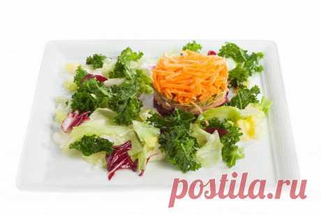 Салат с айвой, свеклой, маринованными огурцами и каперсами пошаговый рецепт с видео и фото – вегетарианская еда: салаты