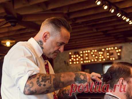 К парикмахеру приходили разные люди, но он не брал с них плату. И вот ЧТО случалось потом