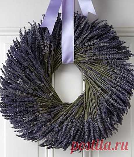 Lavender wreath - Mom you should make this with all that lavender in your front flower beds