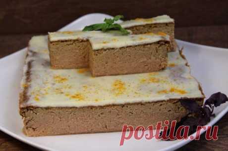 Если и готовить печеночный паштет, то только по этому рецепту. Он просто тает во рту - медиаплатформа МирТесен Можно подавать даже на праздничный стол или с гренками на завтрак. Ингредиенты: куриная печень 500 г луковица коньяк 50 мл растительное масло для жарки соль специи желтки 3-4 шт. молоко 150 мл мука и манка по 3 ст.л. сливочное масло 50 г Приготовление: Обжарьте луковицу, добавьте коньяк и подержите