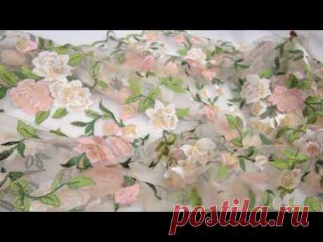 Вышивка на сетке цветочный узор зеленые листья Италия
