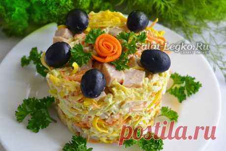 """Салат """"Анастасия"""" с корейской морковкой и яичными блинчиками"""