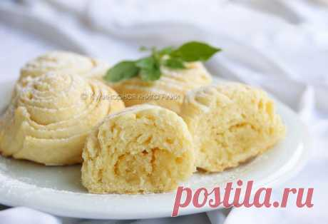 Badambura. Traditional sweet of Azerbaijan cuisine. She reminds pie with nutlets, but very beautiful puff form. Badambura is very gentle, soft, with nut taste and an unforgettable note of cardamom.