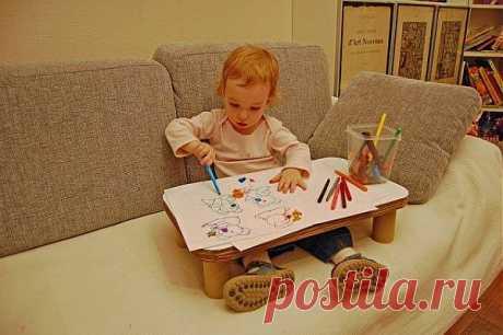 Детский столик на диван