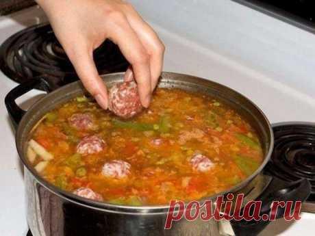 Ням… Мой фирменный суп с фрикадельками муж просит каждый день — потрясающий вкус. Вот рецепт