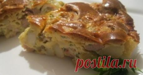 Заливной пирог с курицей Сочетание курицы и овощей - великолепное, а сметанно-майонезный соус лишь дополняет неповторимый вкус пирога.