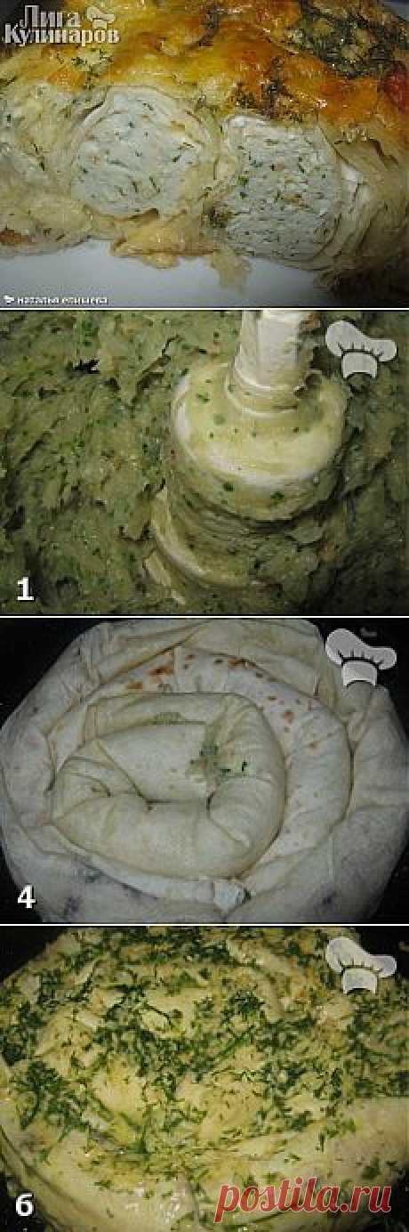 Пирог из лаваша с курицей и сыром.