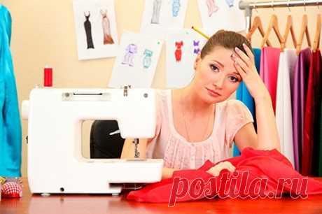 """""""Как подумаю, что нужно чертить выкройку, так и шить ничего не хочется"""". Знакомо вам такое?  Мне очень знакомо. Прямо ступор какой-то был. Не смотря на то, что я по образованию закройщик. Это же нужно найти бумагу, стол освободить, карандаш найти в этом доме ...  Всё кардинально меняется, когда переходишь на новый уровень и работаешь не с бумагой, а с компьютером. Не строишь каждый раз новую выкройку, а пользуешься готовой параметрической.  Всё что нужно - ввести свои инди..."""