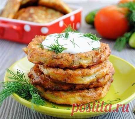 Как приготовить оладьи из кабачков с сыром и чесноком  - рецепт, ингредиенты и фотографии