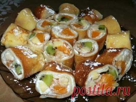 Как приготовить блинные роллы с фруктовой начинкой - рецепт, ингредиенты и фотографии