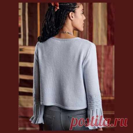 Летний пуловер с оригинальными рукавами