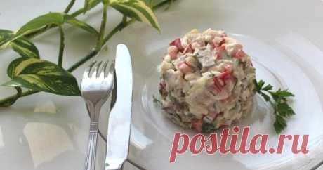 Нежный и лёгкий рыбный салат на 100грамм - 124.92 ккалБ/Ж/У - 12.43/6.13/4.36  Ингредиенты: •Кукуруза консервированная-200 гр •Яйца отварные-2 шт •Яичный белок отварной-2 шт •Сыр-40 гр •Рыба в собственном соку( у меня горбуша)-100 гр  Для соуса: •Отварные желтки-2 шт •Мягкий творог-100 гр •Гранулированный чеснок-по вкусу •Уксус ( у меня бальзамической)- по вкусу •Соль- по вкусу  Приготовление: Отварить 4 яйца вкрутую. Оставить 2 желтка для соуса. Остальные нарезать кубикам...