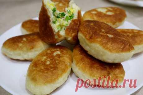 Пирожки с зеленым луком и яйцом — Кулинарная книга