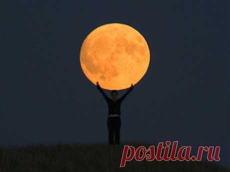 Креативная фотосессия с луной | Оригинальные идеи для творчества