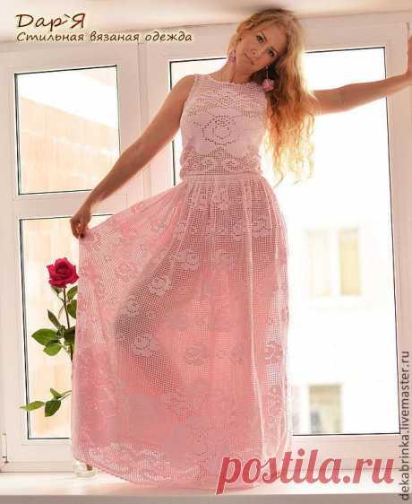Потрясающее платье в филейной технике. Схемы вязания