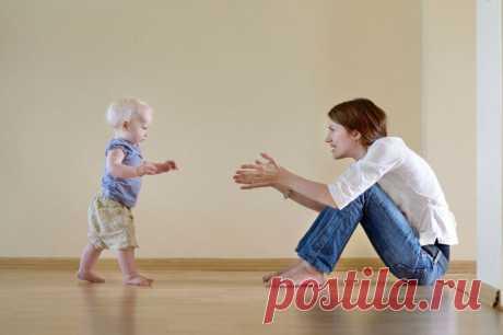 «Вальгусная деформация стопы у детей (плосковальгусная) с фото: способы лечения искривления  Столкнувшись с вальгусной деформацией стопы у детей, многие родители не знают что делать. Из статьи вы узнаете о причинах искривления, методах лечения и профилактики патологии. Вальгусная деформация стопы Родители могут сами распознать начало недуга, заметив, что ребенок неправильно наступает на ножку, смещая центр тяжести внутрь. Походка может быть неуклюж...
