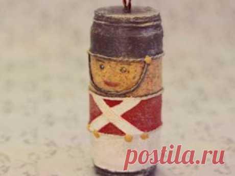 Как сделать ёлочную игрушку из винной пробки   Журнал Ярмарки Мастеров Как сделать ёлочную игрушку из винной пробки – бесплатный мастер-класс по теме: Do It Yourself / Сделай сам ✓Своими руками ✓Пошагово ✓С фото