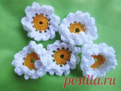 Two-story CAMOMILE of CAMOMILE Crochet