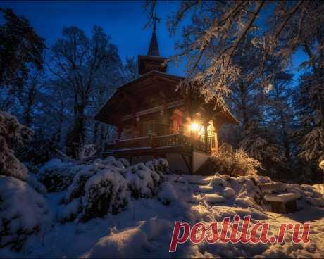 Картинки берн, снег, швейцария, зима, лес, ночь, огни, здание, домик, пейзаж - обои 1280x1024, картинка №435039