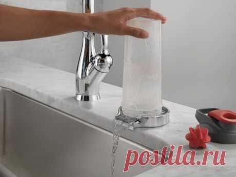 Выставки: Что нового в смесителях и мойках для кухни Управление голосом, ополаскивание стаканов, сменные фронты моек — новинки с выставки KBIS 2020 (США)