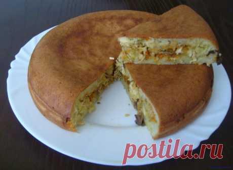 Заливной пирог в мультиварке    Заливной пирог в мультиваркеИнгредиенты:Грибы (шампиньоны) – 250 гр.3 шт. средних луковиц.2 шт. моркови.Масло растительное.Филе курицы – 350 гр.Соль и черный перец – по вкусу.Для теста:Мука – на гл…