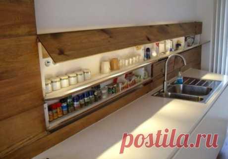 Как сделать полки-секции на кухонный фартук, чтобы освободить больше места Для освобождения места с кухонного фартука ежегодно придумываются все новые и новые... Читай дальше на сайте. Жми подробнее ➡