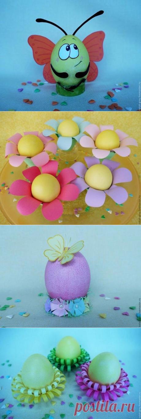 Decor of Easter eggs.