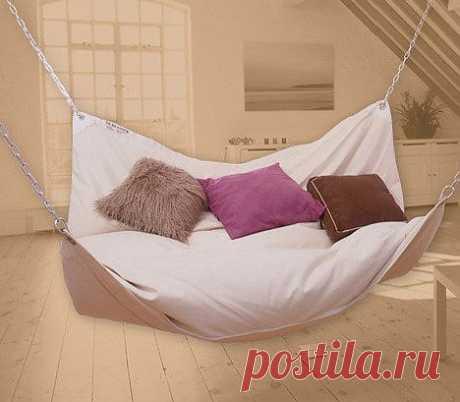 кровать-гамак (незаменим при мытье полов)