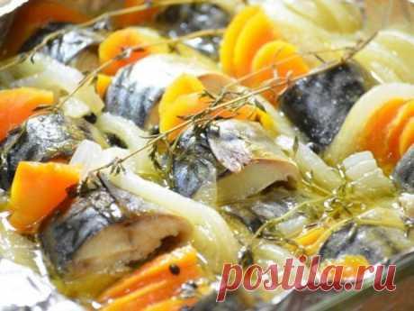 Скумбрия, запеченная в рукаве с овощами