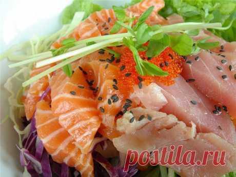 Рыбная диета | Британские ученые доказали, что между эмоциями человека и потребляемой пищей существует тесная связь. Рыба с этой точки зрения предотвращает депрессию. Диетологи считают рыбу источником белка, аминокислот, витаминов, минералов и полиненасыщенных жирных кислот. Она быстро усваивается организмом. Исходя из вышесказанного, рацион питания, богатый продуктами из рыбы, может способствовать похудению.