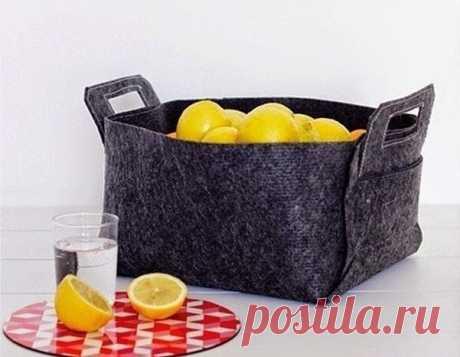 We do a folding handbag for different trifles - very conveniently!