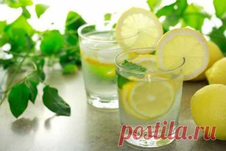 Для чего нужно утром выпивать стакан воды с лимонным соком?.