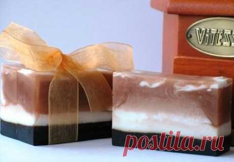 Подарок на 8 Марта: кофейное мыло-скраб своими руками | Рукоделие в стиле шебби шик