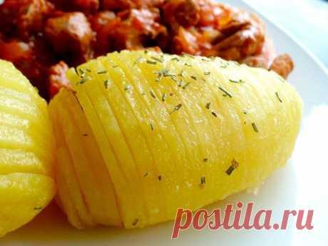 Как сварить картошку в микроволновке быстро: рецепты Как сварить картошку в микроволновке быстро, не передержав и чтобы они получилась вкусная. Как готовить целиком, без воды, в свч-печи, в мундире.