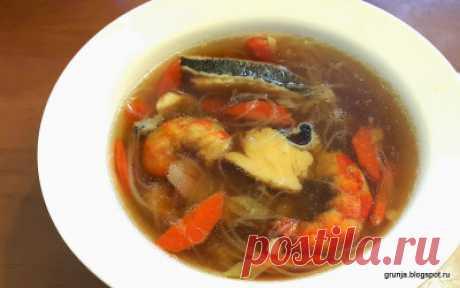 Суп с креветками, палтусом и фунчёзой на азиатский манер - Азиатская кухня (китайкая, корейская, японская)