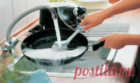 Есть супер способ эффективной очистки! Он спасает любую посуду и конфорки от многолетнего нагара и застарелого жира