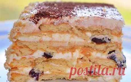 Торт с черносливом без выпечки  Вкусный торт с черносливом без выпечки. Справятся даже дети! Готовится быстро, получается вкусно! Ингредиенты:  Печенье — 48 штук. Творог — 500 г Сахар — 1 стакан Сливочное масло — 100 г Сметана — 25…