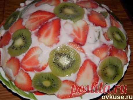 """Желейный торт """"Клубника в йогурте"""" - Простые рецепты Овкусе.ру"""
